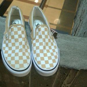 New Vans Checkerboard slip on sneakers size 7